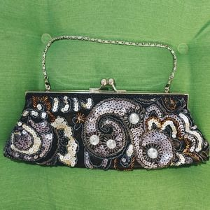 APT 9 Beaded.  Evening clutch purse